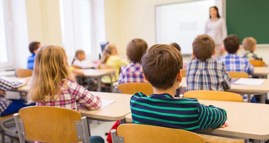 children-in-classroom_02